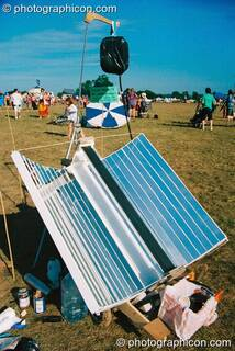 Solar powered coffee maker at Big Green Gathering 2003. Cheddar, Great Britain. © 2003 Photographicon