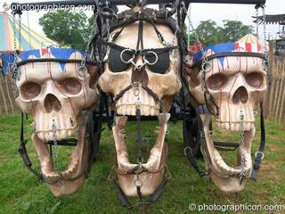 Mutoid Waste Company sculpture of an Apocalyptic horsedrawn carriage at Glastonbury Festival 2005. Pilton, Great Britain. © 2005 Photographicon