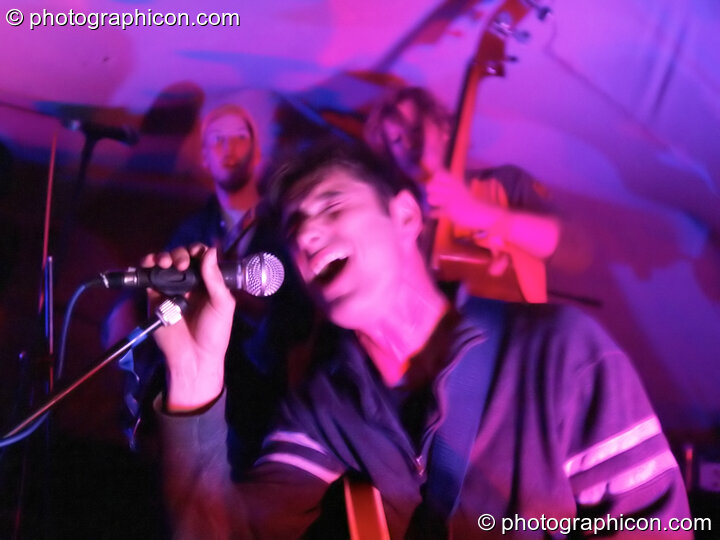 Tragic Roundabout perform on the Small World Solar Stage (Green Futures field) at Glastonbury Festival 2005. Pilton, Great Britain. © 2005 Photographicon