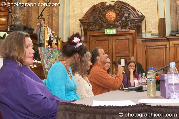 The discussion pane at the London Festival of Tantra 2008 feauring (left to right) Angela Hassan, Jewls Wingfield, Mahasatvaa Ma Ananda Sarita, Mark A. Michaels, Patricia Johnson, and Bernadette Vallely. Great Britain. © 2008 Photographicon