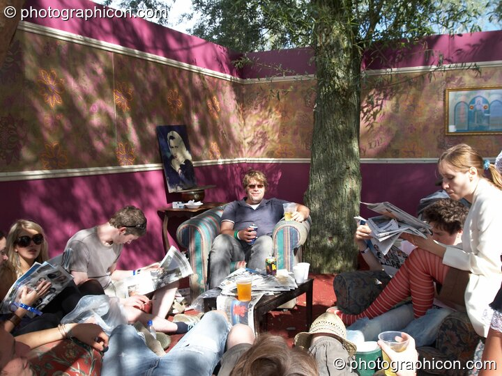 People relaxing in the tree house at the Secret Garden Party 2006. Huntingdon, Great Britain. © 2006 Photographicon