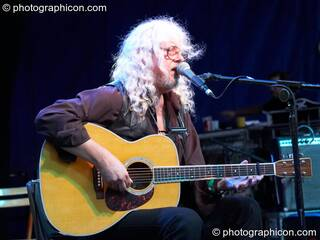 Arlo Guthrie performs on the Main Stage at the Secret Garden Party 2006. Huntingdon, Great Britain. © 2006 Photographicon