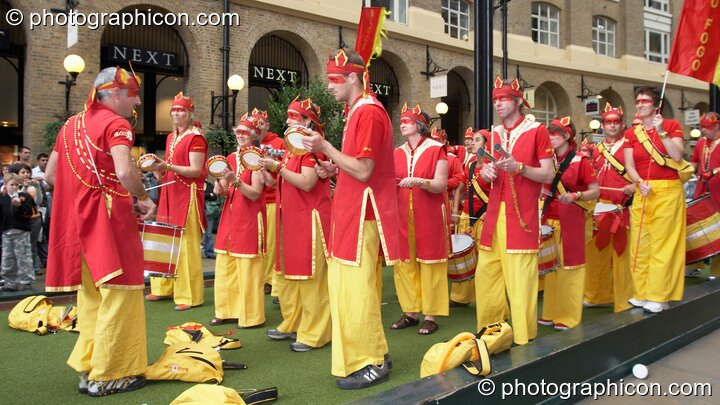 Bloco Fogo playing samba at the Thames Festival 2005. London, Great Britain. © 2005 Photographicon