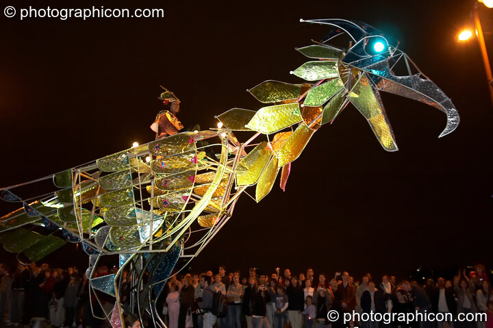 Emergency Exit Arts' cycle-powered giant mechanical carnival bird at the Thames Festival 2005. London, Great Britain. © 2005 Photographicon