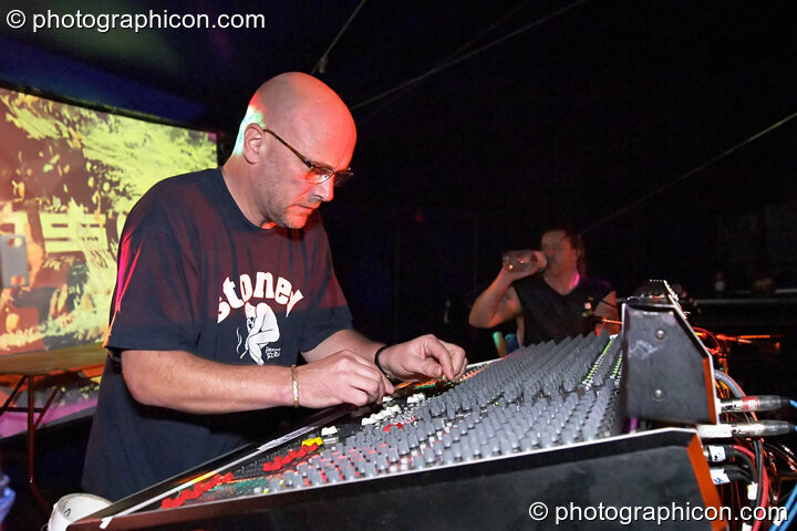 Adrian Sherwood playing at the Turaya Gathering 2004. Wimborne, Great Britain. © 2004 Photographicon