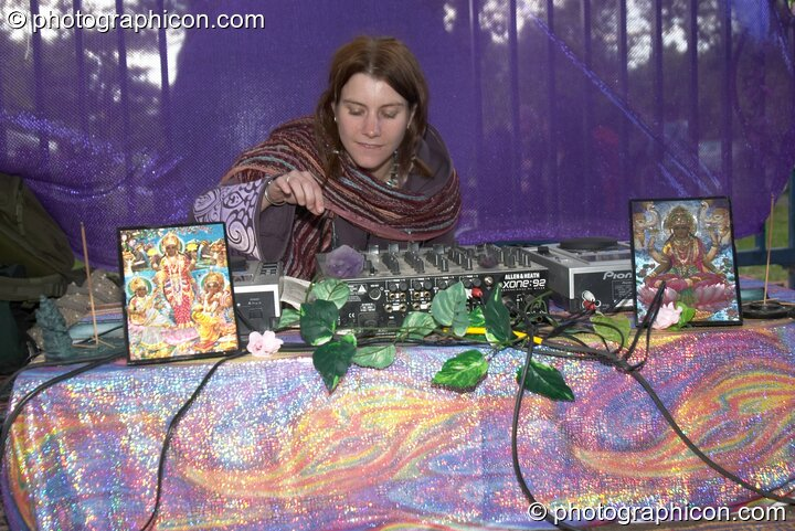 Gandolfi DJing in the Peace Temple at Kingston Green Fair 2005. Kingston Upon Thames, Great Britain. © 2005 Photographicon