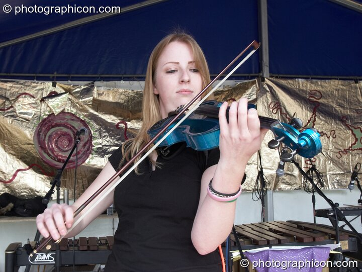 Kate Farbon of Orchid Star playing on the World Music Stage at Kingston Green Fair 2006. Kingston upon Thames, Great Britain. © 2006 Photographicon