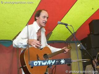 John Otway performs on the Tadpole Stage at Kingston Green Fair 2007. Kingston upon Thames, Great Britain. © 2007 Photographicon