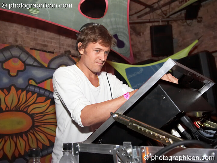 George Barker in the Backroom Beats at the Twisted Records Label Party. London, Great Britain. © 2006 Photographicon