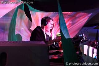 Simon Posford of Shpongle DJing on the IDSpiral stage at the Twisted Records 10th Birthday Party. London, Great Britain. © 2006 Photographicon