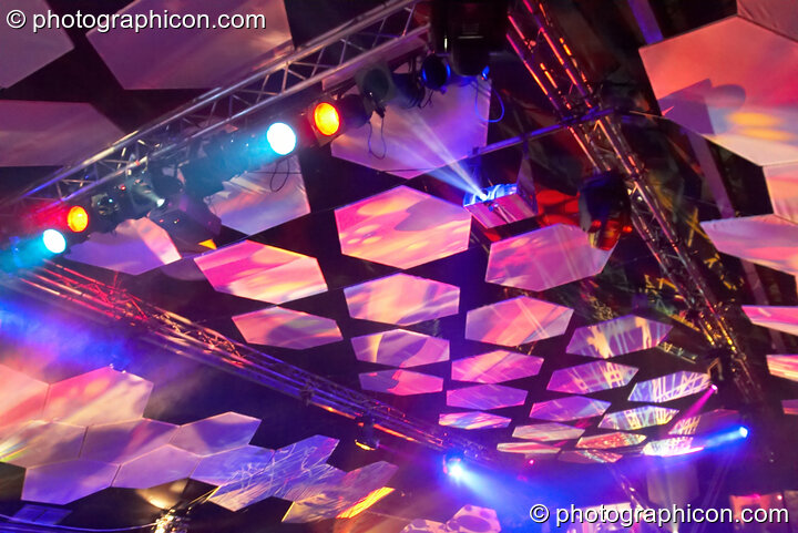 The main room at the Twisted Records 10th Birthday Party featuring hexagonal screens and projections by Inside-Us-All. London, Great Britain. © 2006 Photographicon
