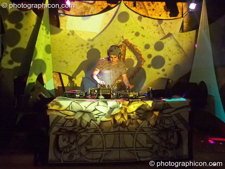 Bedouin DJing in the Echo System room at the Liquid Records party. London, Great Britain. © 2007 Photographicon