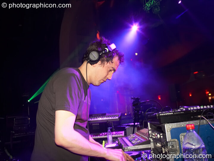 Simon Posford of Shpongle DJing on the Main Stage at the Twisted Records concert. London, Great Britain. © 2007 Photographicon
