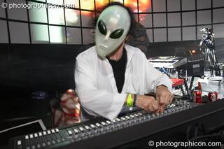 Merv Pepler of Eat Static performs in a space alien mask on the Main Stage at the Twisted Records concert. London, Great Britain. © 2007 Photographicon