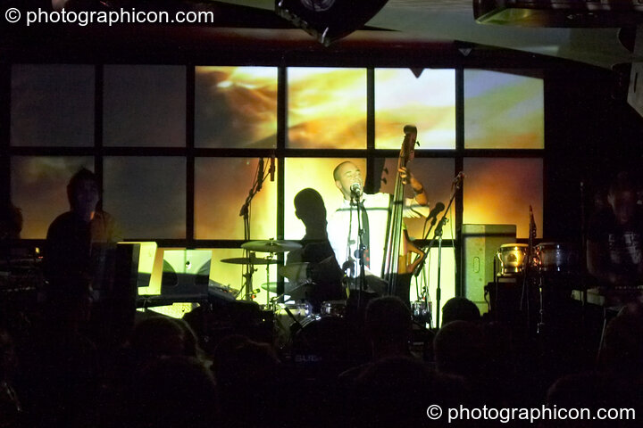 Subsource (Spin Out/Archangel^, UK) perform on the Main Stage with VJ projections by Inside-us-all at Future Music Vol. 1. London, Great Britain. © 2007 Photographicon