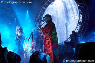 Raja Ram  performs on flute with Shpongle at Shpongle Live in Concert. London, Great Britain. © 2008 Photographicon