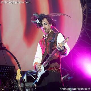 Simon Posford performs on guitar with Shpongle at Shpongle Live in Concert. London, Great Britain. © 2008 Photographicon
