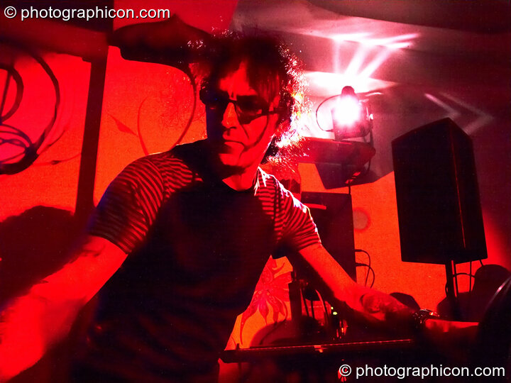 Merv Pepler of Eat Static performs live at the inSpiral Lounge in London. Great Britain. © 2009 Photographicon