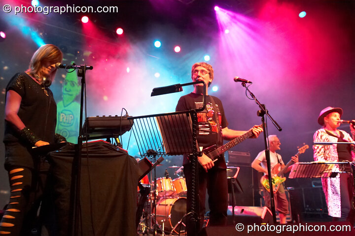 Miquette Giraudy, Steve Hillage, Mike Howlett, and Gilli Smyth of Planet Gong perform at the Kentish Town Forum. London, Great Britain. © 2009 Photographicon