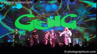 Miquette Giraudy, Steve Hillage, Chris Taylor, Gilli Smyth, Mike Howlett, and Daevid Allen of Planet Gong perform at the Kentish Town Forum with visual projections by ColourSound. London, Great Britain. © 2009 Photographicon
