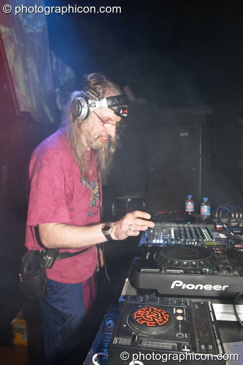 Dark Angel (Barclay) DJ's in the Project Ozma space at the Synergy Project. London, Great Britain. © 2004 Photographicon