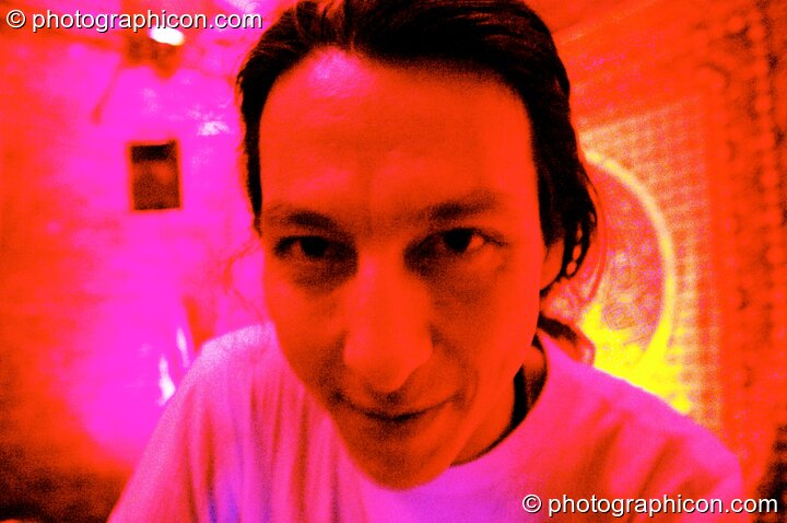 Nick Chow in the Healing space at The Synergy Project. London, Great Britain. © 2005 Photographicon