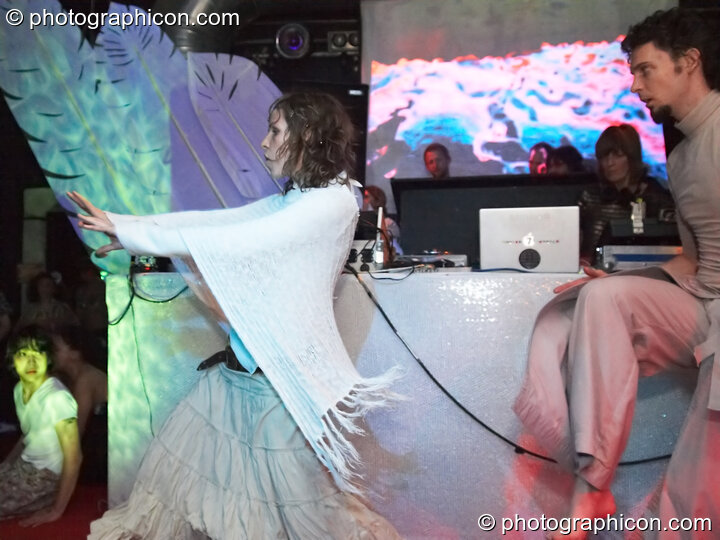 Mira WeMoonSpiral and Tom Peto perform a dance on the IDspiral stage accompanied by music from Steve Hillage and Miquette Giraudy of Mirror System at The Synergy Project. London, Great Britain. © 2007 Photographicon