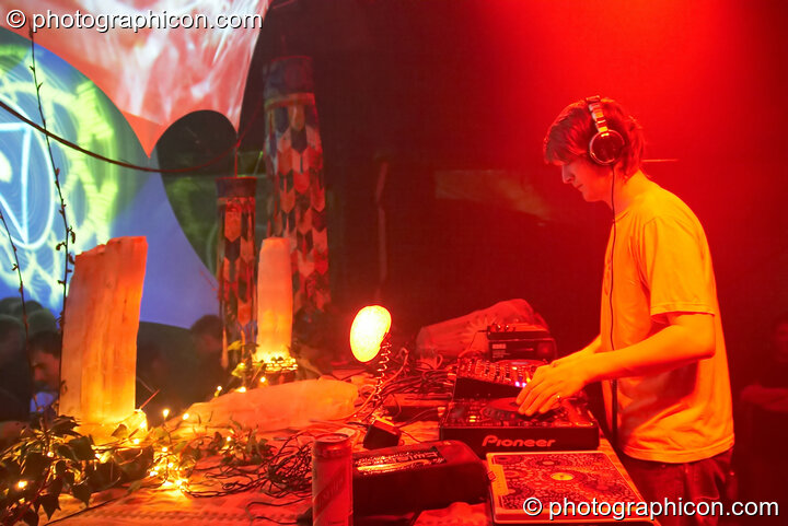 Hamish DJing on the Kundalini stage at The Synergy Project. London, Great Britain. © 2007 Photographicon