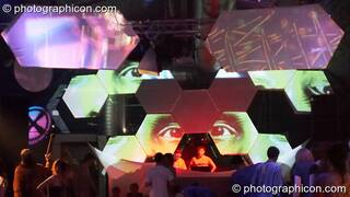 Polestar performs on the Glitch-Out stage at The Synergy Project with decor by IDspiral and visual projections by Pixel Addicts. London, Great Britain. © 2007 Photographicon